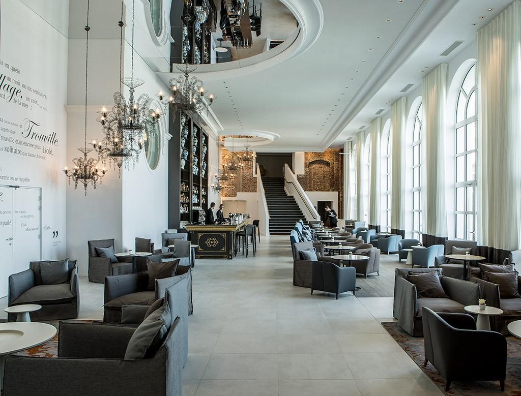 Bar et Lounge de l'hôtel des Cures Marines