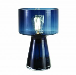 Lampe Norman en verre soufflé, design Vanessa Mitrani, 22 x H 33 cm, 220 €, Roche Bobois www.roche-bobois.com